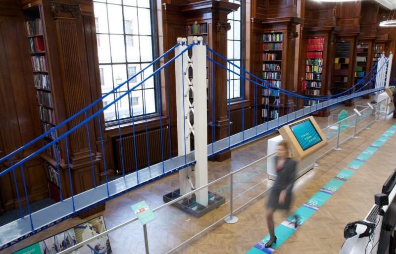 Récord: El puente de lego más largo del mundo